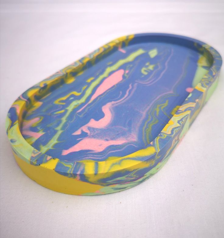 Lilac/pink Oval tray